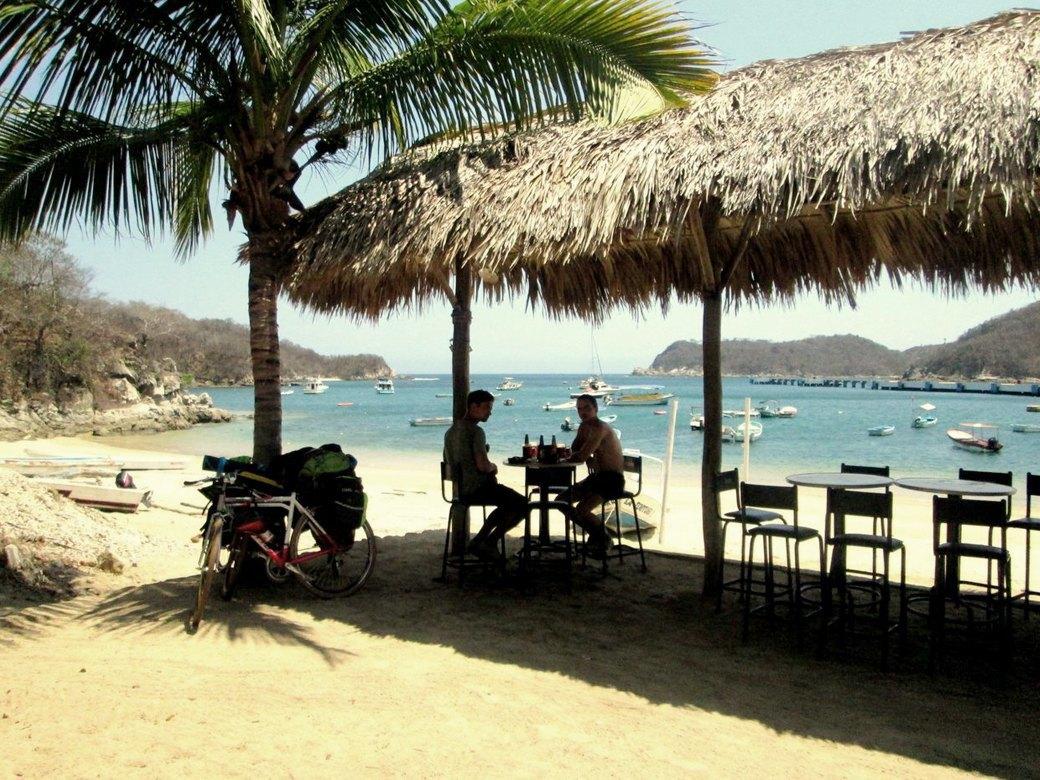 «Вся наша жизнь состоит из спусков и подъёмов»: Как я пересёк Мексику на велосипеде. Изображение № 10.