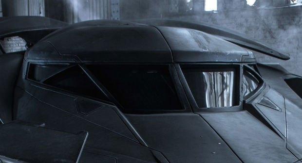 Опубликованы фото нового бэтмобиля из фильма «Бэтмен против Супермена». Изображение № 3.