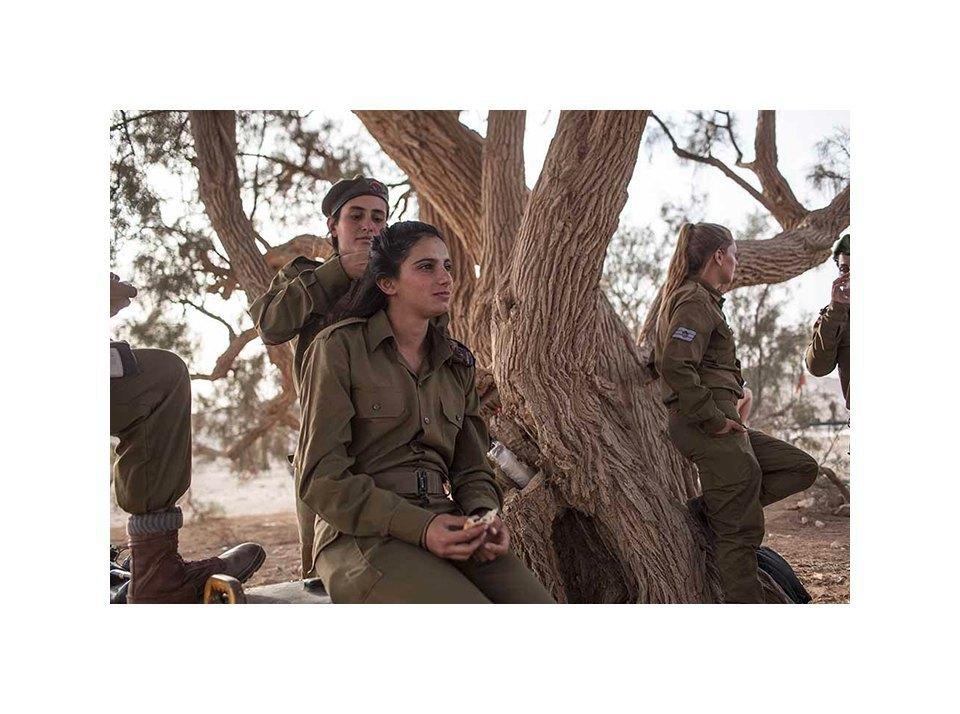 Фотопроект: Как служат женщины в армии Израиля. Изображение № 30.