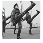 Танковый биатлон и ещё 15 идиотских идей соревнований для рекламы армии. Изображение № 13.