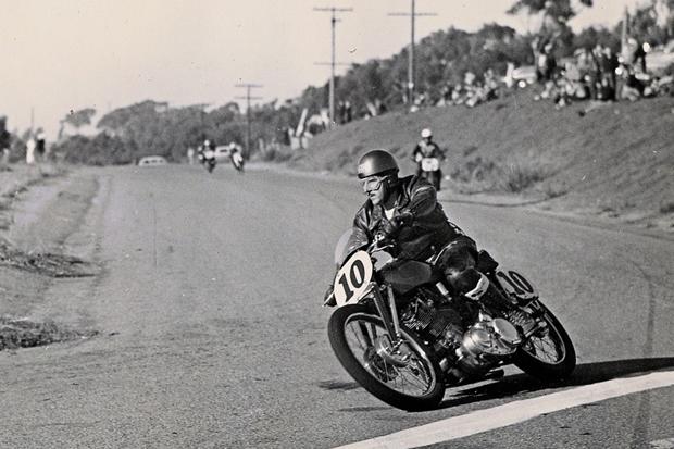 Любительская мотоциклетная гонка 1950 года.. Изображение № 3.