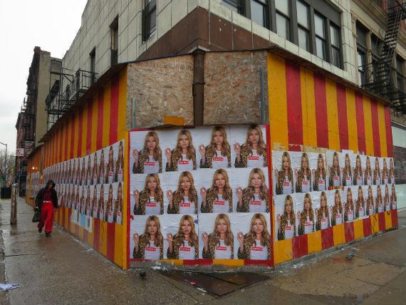 Кейт Мосс снялась в рекламной кампании Supreme. Изображение № 2.