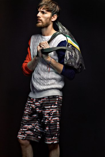 Марка Sophnet выпустила лукбук весенней коллекции одежды. Изображение № 6.