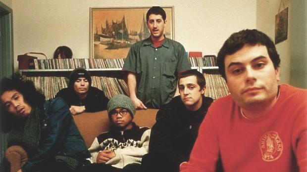Дэнни Браун записался с The Avalanches, сама группа, возможно, представила новый трек. Изображение № 2.