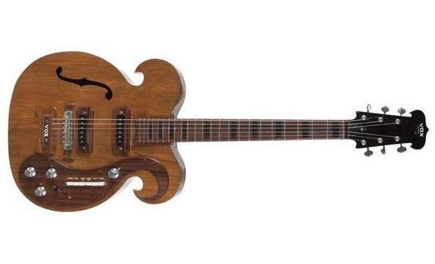 Гитара The Beatles необычной формы выставлена на аукцион. Изображение № 1.