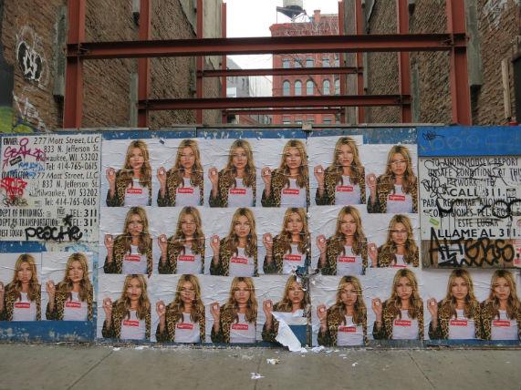 Кейт Мосс снялась в рекламной кампании Supreme. Изображение № 5.