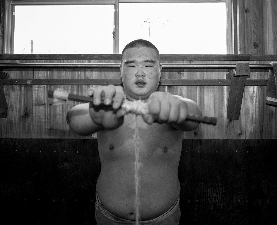 Как тренируются в борцовских школах сумо. Изображение № 6.