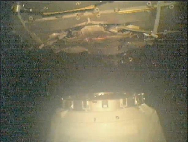 Первый частный космический грузовик пристыковался к МКС. Изображение № 5.