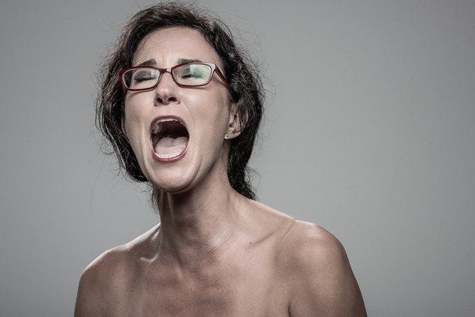 Фотограф снимал лица людей после удара шокером. Изображение № 7.