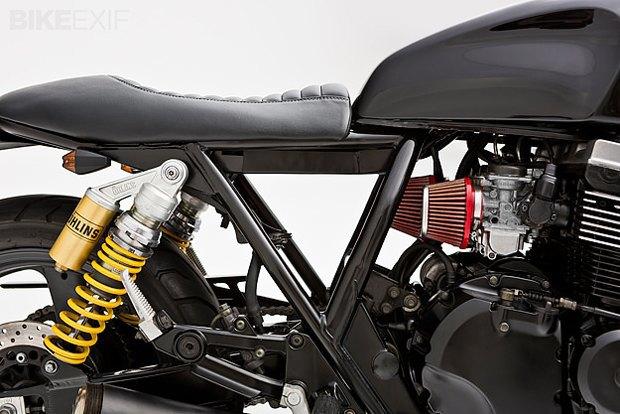 Мастерская Ellaspede представила новый кастом на базе мотоцикла Yamaha XJR400. Изображение № 4.