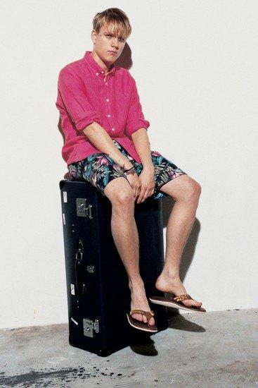 Марка Sophnet опубликовала лукбук весенней коллекции одежды. Изображение № 17.