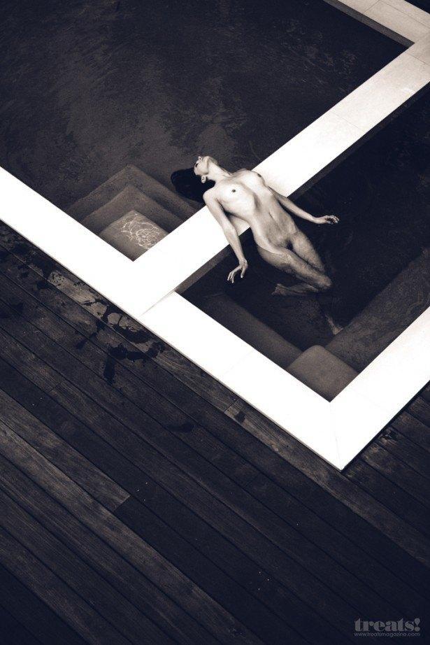 Американская фотомодель Моника Жаклин снялась для журнала Treats Magazine. Изображение № 4.
