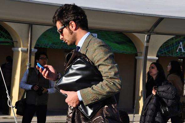 Изображение 30. Шарфы, клатчи, клетчатые пиджаки и подвернутые джинсы.. Изображение № 50.