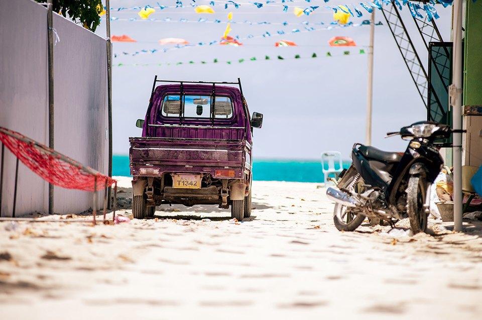 Russia Goes Surfing: Репортаж из серферского лагеря на Мальдивах. Изображение № 6.