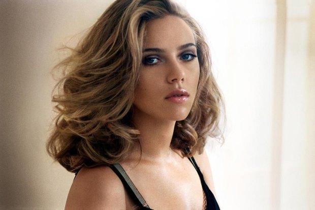 Американский Esquire назвал Скарлетт Йоханссон самой сексуальной девушкой года. Изображение № 1.