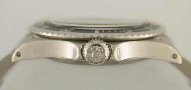 Носить на руках: История и особенности строения легендарных часов Rolex Submariner. Изображение № 8.