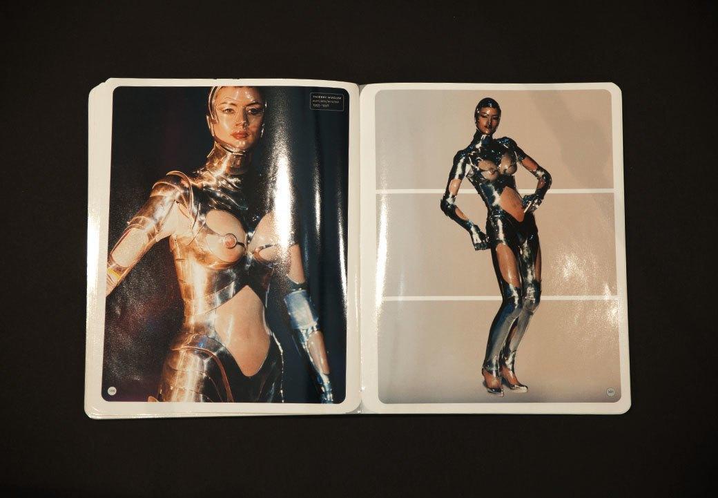 Библиотека мастерской: Книга Superheroes. Fashion and Fantasy. Изображение № 9.