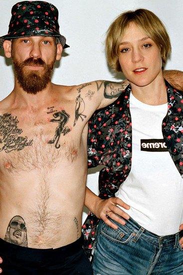 Марки Supreme и Comme des Garcons Shirt выпустили совместную коллекцию одежды. Изображение № 2.