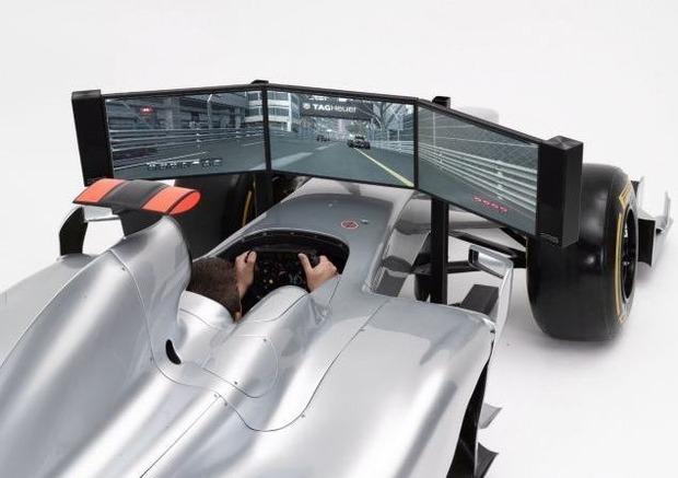 Английская компания выпустила полноразмерный симулятор «Формулы-1». Изображение № 1.