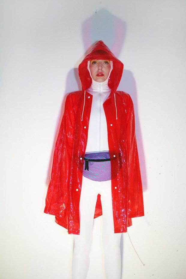 Дизайнер Никита Грузовик и художник Flakonkishochki выпустили новую коллекцию сумок. Изображение № 1.
