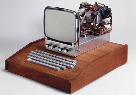 Первый компьютер Apple продали на аукционе за рекордную сумму. Изображение № 1.