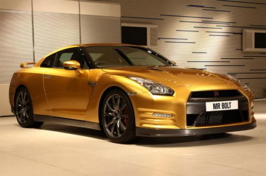 Nissan изготовил эксклюзивный золотой суперкар GT-R в честь Усэйна Болта. Изображение № 5.