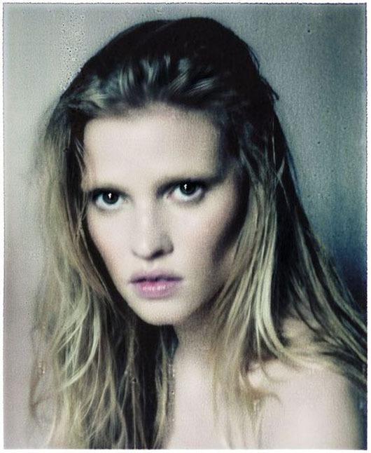 Модель Лара Стоун снялась у фотографа Паоло Роверси. Изображение № 4.