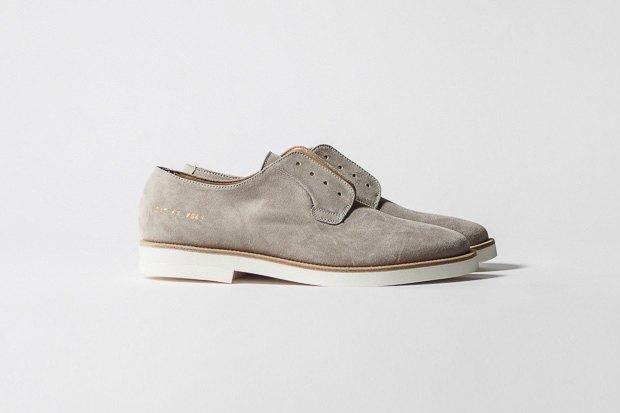 Марка Common Projects опубликовала лукбук осенне-летней коллекции обуви. Изображение № 15.