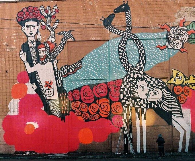 Граффити-художники Os Gemêos разрисуют городские стены Минска. Изображение № 5.