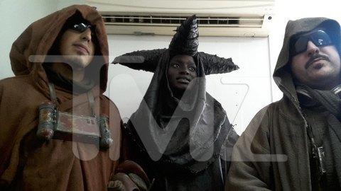 В сеть попали первые снимки со съемочной площадки новых «Звездных войн». Изображение № 32.