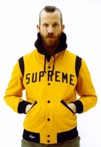 Уличная одежда Supreme: весенне-летний лукбук, кепки, рюкзаки и аксессуары. Изображение № 5.