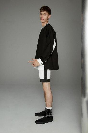 Марка Opening Ceremony выпустила лукбук весенней коллекции одежды. Изображение № 12.