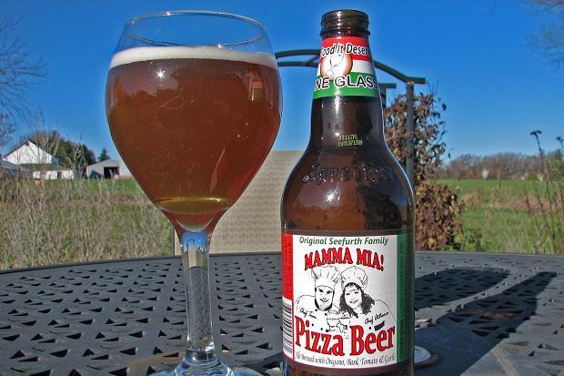 Чикагская семья наладила производство пива со вкусом пиццы. Изображение № 1.