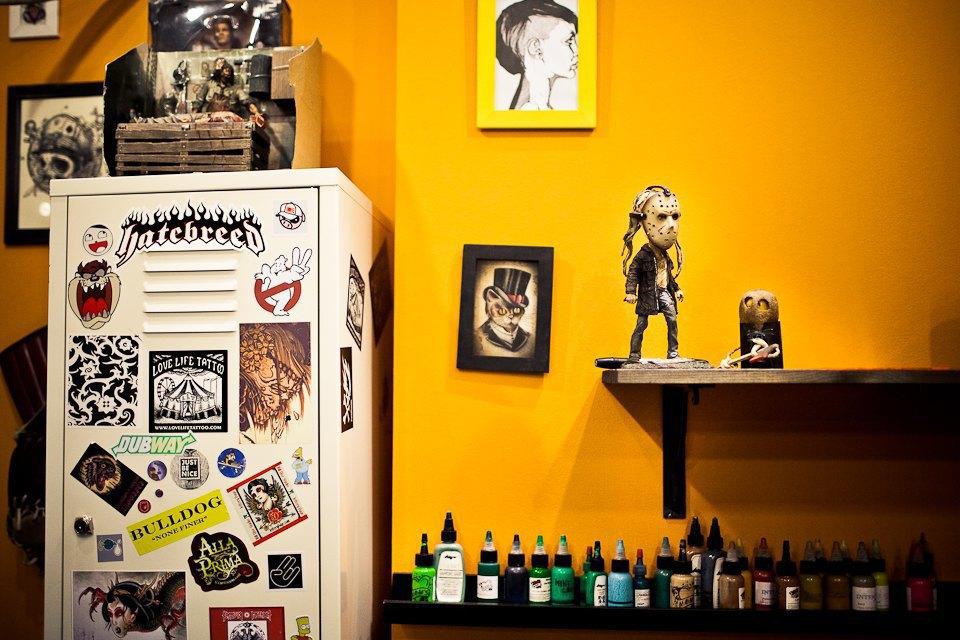 Бьет — значит любит: Старейшие татуировщики Москвы и их лучшие работы. Изображение № 10.