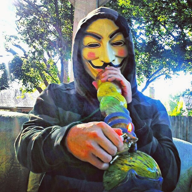 ФБР позволит агентам курить марихуану для борьбы с киберпреступностью. Изображение № 1.