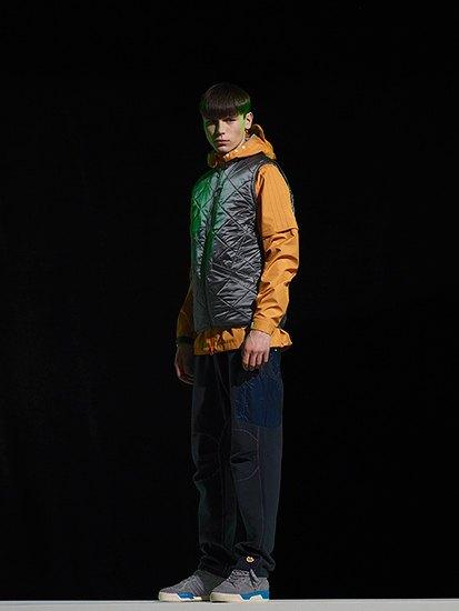Марка Adidas Originals и дизайнер Казуки Кураиши запустили новую линейку одежды. Изображение № 3.
