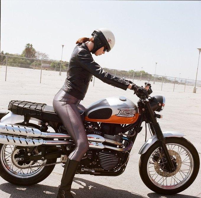La Motocyclette: Американская фотовыставка доказывает право девушек называться байкерами. Изображение № 7.