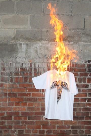 Марка Flying Coffin выпустила весеннюю коллекцию одежды. Изображение № 2.