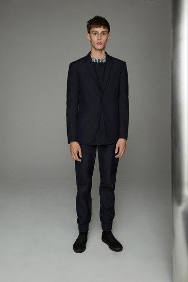 Марка Opening Ceremony выпустила лукбук весенней коллекции одежды. Изображение № 11.