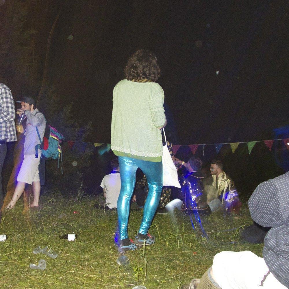 Фотопроект: Как британцы бегут от цивилизации на фестиваль в лесах Болгарии. Изображение № 12.