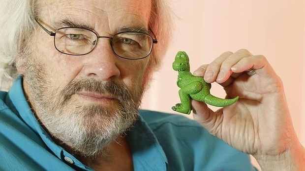 Американский палеонтолог собирается превратить курицу в динозавра. Изображение № 1.