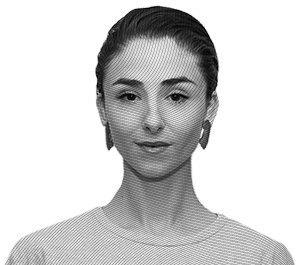 Личный состав: Предметы Сони Батовриной, главы отдела международных коммуникаций Look At Media. Изображение № 1.