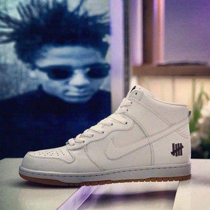 Марки Nike и Undefeated представили совместные модели кроссовок. Изображение № 4.