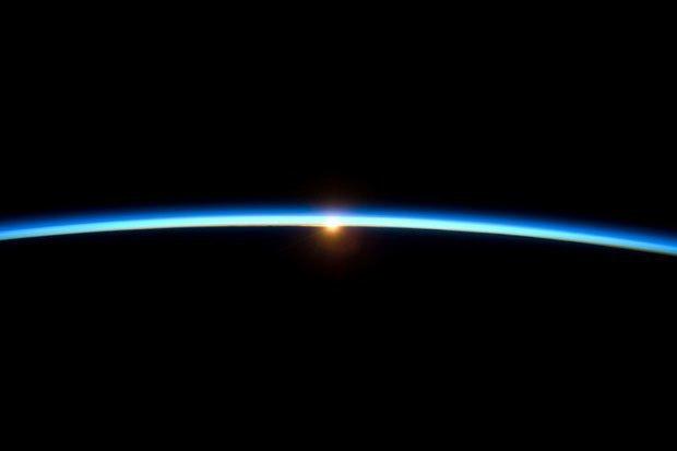 NASA опубликовало фотосессию, вдохновленную фильмом «Гравитация». Изображение № 5.