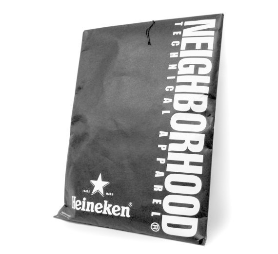 Японский бренд Neighborhood и пивоварня Heineken сшили совместную модель джинсов. Изображение № 4.