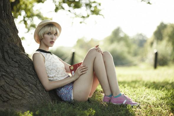 Опасное лето: 5 девушек на отдыхе. Изображение № 9.