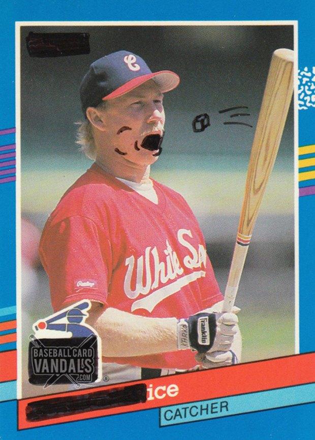 Baseball Card Vandals: Художники иронизируют над спортивными коллекционными карточками. Изображение № 8.