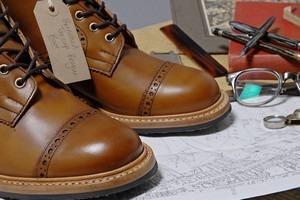 Марка Tricker's и магазин End Hunting Co выпустили совместную коллекцию обуви. Изображение № 5.