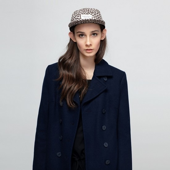 Магазин Kixbox опубликовал лукбук осенне-зимней коллекции одежды. Изображение № 9.