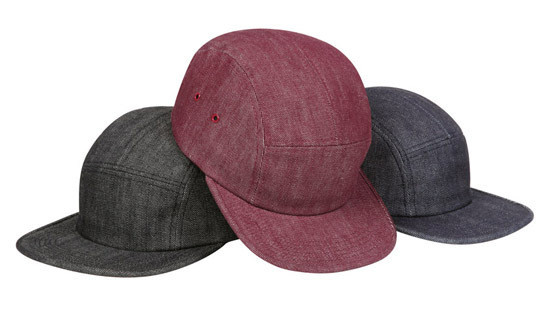 Уличная одежда Supreme: весенне-летний лукбук, кепки, рюкзаки и аксессуары. Изображение № 29.